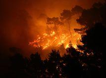 požiar, split, borovicovy les, Split, chorvatsko