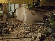 Zemetrasenie v Egejskom mori: Dvaja mŕtvi, desiatky zranených, Slováci sú v poriadku
