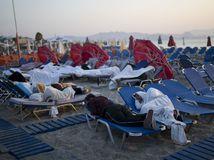 grécko, kos, zemetrasenie, pláž, ľudia na pláži,