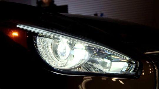 IIHS: Svetlá veľkých SUV sklamali. Len dve sú dobré