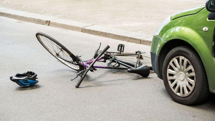 bicykel, nehoda, prilba, auto