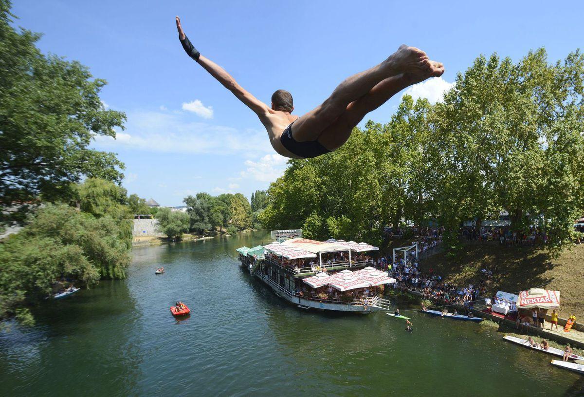 voda, leto, kúpanie, skok, skokan, rieka, jazero,