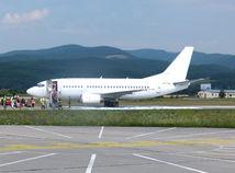 Zásah pri pristávaní civilného lietadla, lietadlo, boeing,