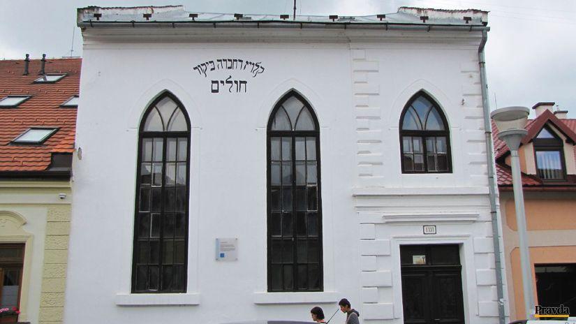 Synagógu v meste z roku 1928 označuje hebrejský...