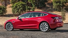Tesla Model 3 - 2017