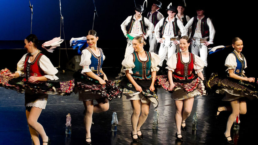 Slovenské ľudovky Železiara znejú vo Švajčiarsku - Hudba - Kultúra -  Pravda.sk