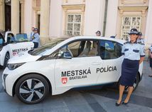 elektomobil, mestska policia,