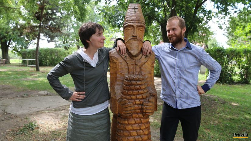 paseka, moravčík, socha, drevo, všelári