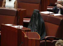 Pauline Hansonová, burka, senát, australia, senatorka