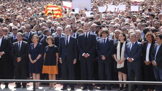 Barcelona, dav, trúchlenie, kráľ Felipe