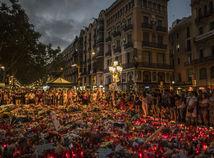la rambla, barcelona, sviecky, spomienka, kytice, kvety