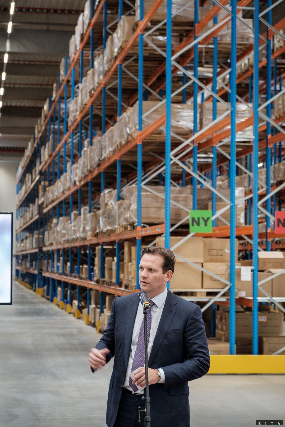 c5102e2f0305e Obchody sa predháňajú v distribučných centrách - Ekonomika - Správy ...