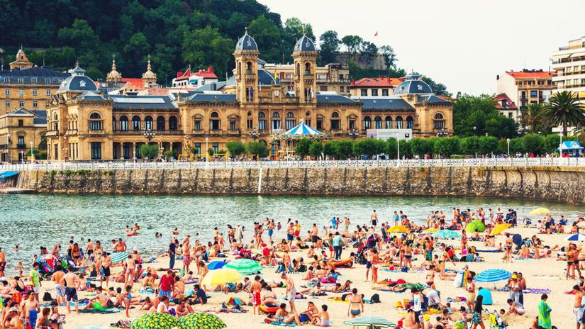 San Sebastián, Španielsko, pláž, more, leto, dovolenka, palác, piesková pláž, opaľovanie, kúpanie