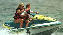 17. júl 1997: Princezná Diana so synom Harrym na dovolenke v Saint Tropez.