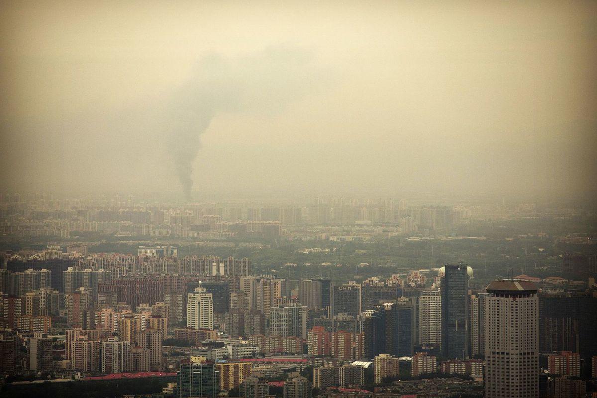 Čína, Peking, znečistenie, smog, dym,