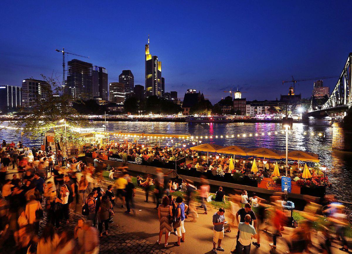 Nemecko, Frankfurt, rieka, mesto, večer, noc,