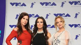 Zľava: Herečky Jennifer Bartels, Kyle Richards a Mena Suvari.