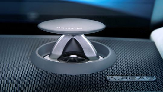 Audi A8: Špičkové audio dostane 23 reproduktorov! Má 1 920 wattov