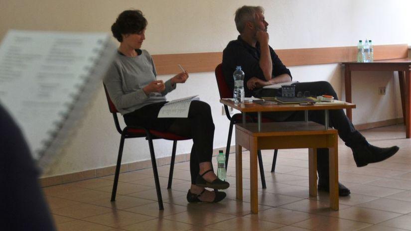 Mária Ferenčuhová, Petr Borkovec, Medziriadky
