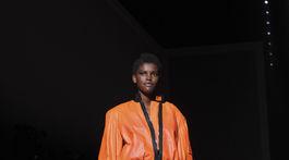 Modelka predvádza kolekciu Tom Ford Jar 2018.