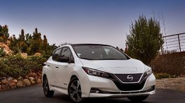 Nissan-Leaf-2018-1024-04