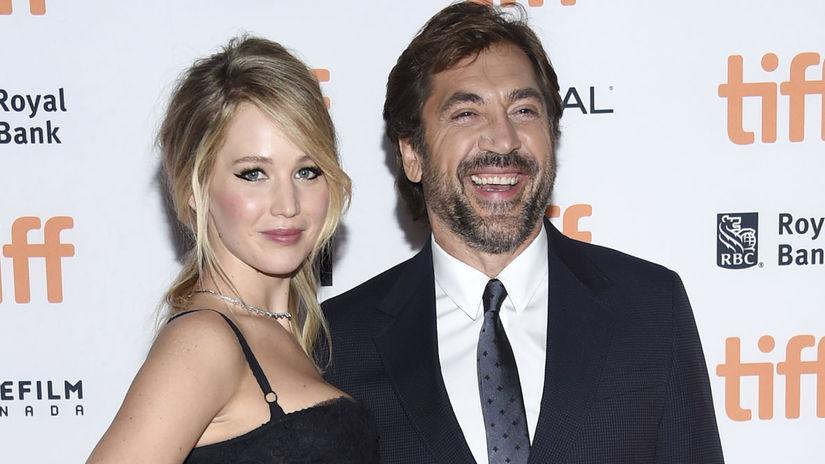 Herečka Jennifer Lawrence a jej kolega Javier...