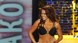 Miss Miss Amerika Cara Mund počas promenády v plavkách.