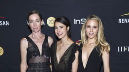 Zľava: Herečky Julianne Nicholson, Margaret Qualley a Dianna Agron.
