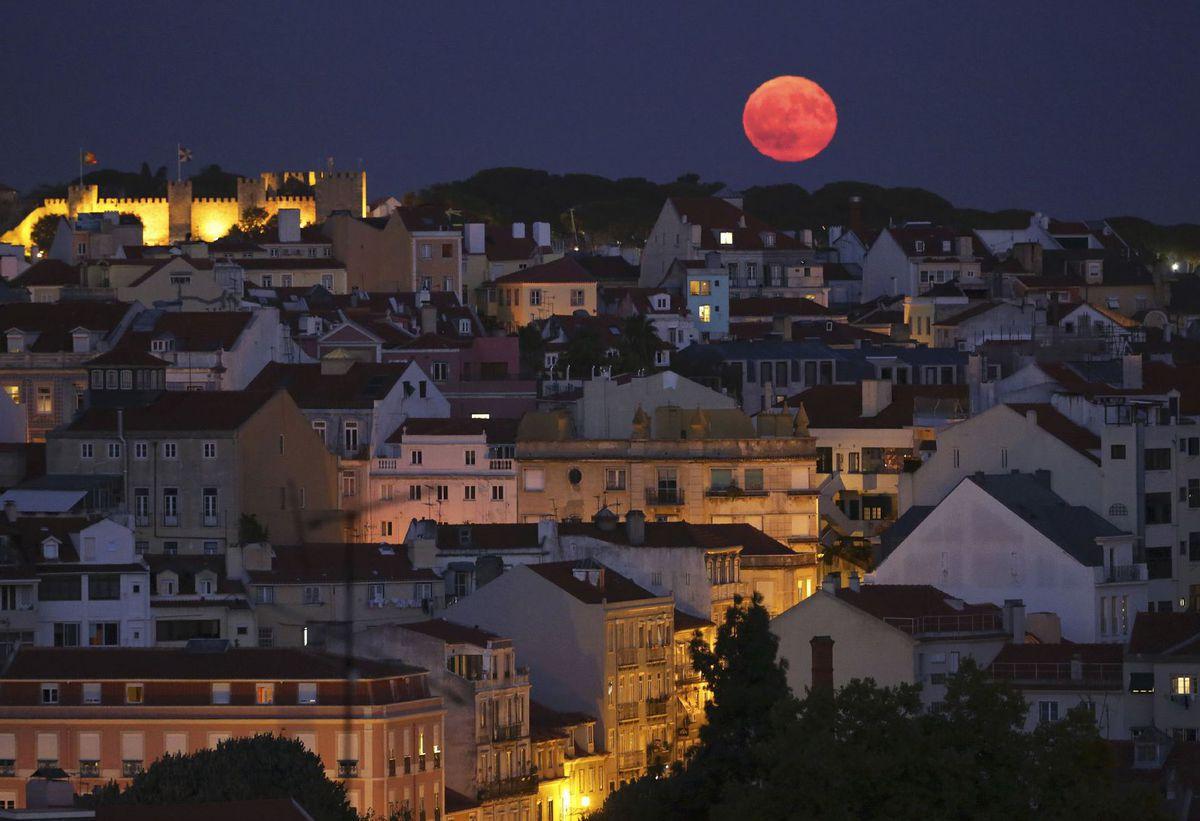 Portugalsko, Lisabon, mesiac, noc, spln