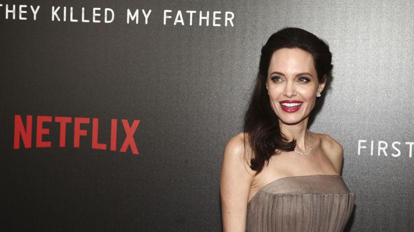 Herečka Angelina Jolie premiére filmu First...