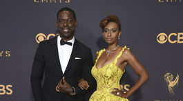 Herec Sterling K. Brown a jeho partnerka Ryan Michelle Bathe.