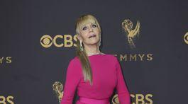 Herečka Jane Fonda v šatách Brandona Maxwella.