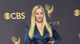 2017 Primetime Emmy Awards - Herečka Reese Witherspoon v kreácii Stella McCartney.