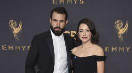 Tom Cullen a Tatiana Maslany