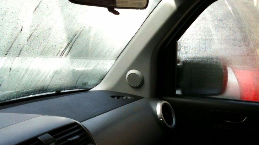Toyota - zahmlené okná