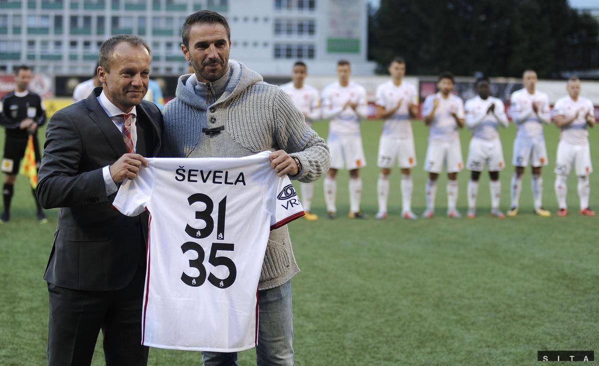 97948f6196 Trenčania sa lúčili so Ševelom. Vyhrala aj Trnava a dobehla Slovan ...