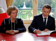 Emmanuel Macron, práca