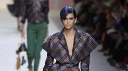 Modelka Kaia Gerber odštartovala prehliadku značky Fendi v Miláne.