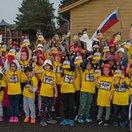 Reklama ako hrom! Nórske deti sa fotia pod slovenskou zástavou. Dôvod? Sagan