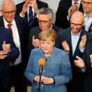 Nemecké voľby vyhrala Merkelová. Strany vyzvala k zodpovednosti