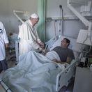 Návrat do 14. storočia: Konzervatívni teológovia obvinili pápeža zo šírenia kacírstva