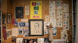 Záber z múzea dizajnéra Yves Saint Laurenta, ktoré otvorili v Paríži a ktoré zachytáva nielen jeho tvorbu a najslávnejšie kreácie, ale tiež ukazuje jeho súkromie či ateliér.