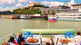 Bratislava, Dunaj, loď, plavba, Bratislavský hrad