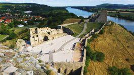 hrad Devín, Dunaj
