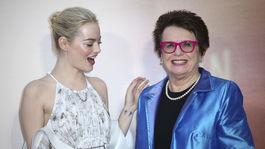 Emma Stone (vľavo) a tenisová hráčka Billie Jean King