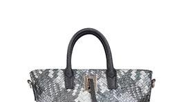 Dámska kabelka s imitáciou károvaného vzoru. Predáva CCC.