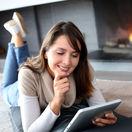 žena, krb, čítanie