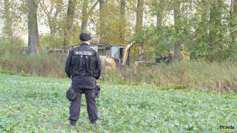 NAKA, polícia, pole, Dubnica