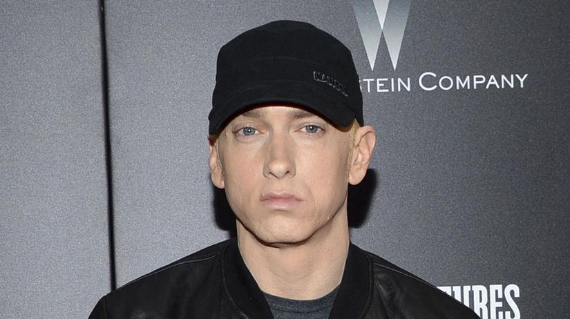 Raper Eminem na archívnom zábere.