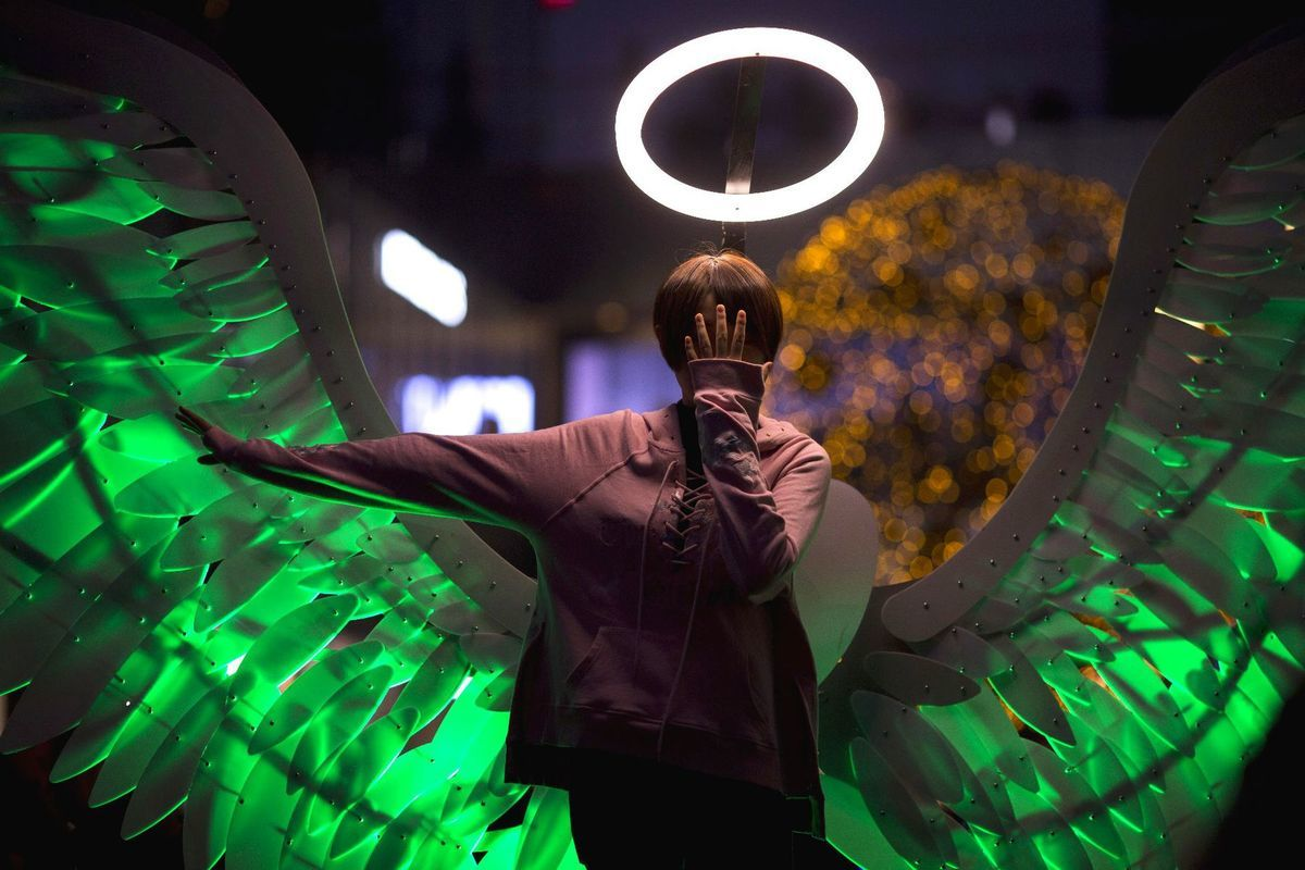 anjel, svetlá